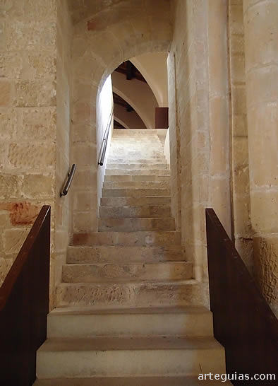 Escalera de Maitines