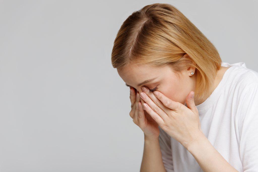 Ojos secos: aquí16 remedios naturales para ello|saludverdes.com