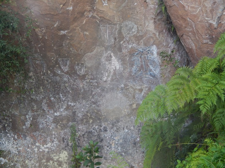 inscrição rupestre artesfatos.com