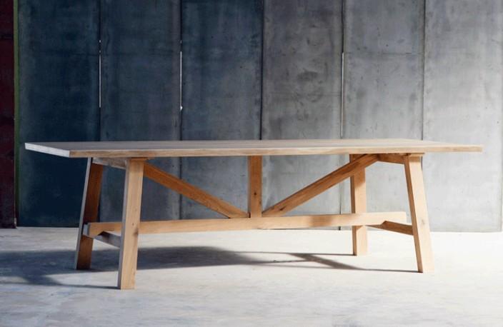 grande table de salle a manger atelier realisee entierement en chene massif