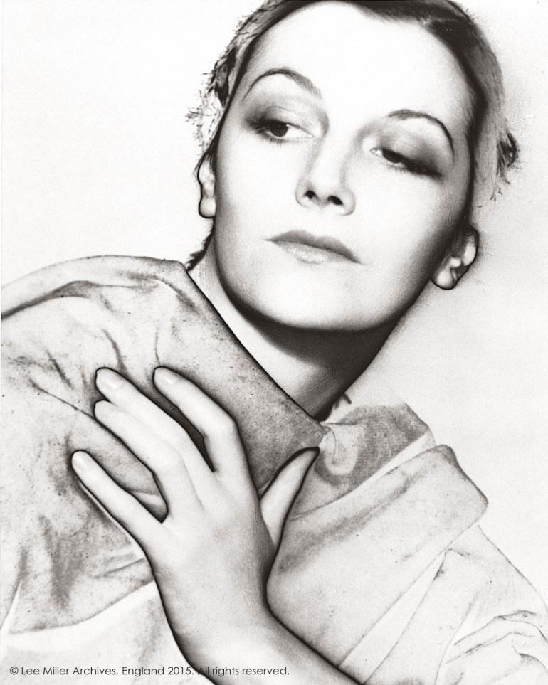Solarised Portrait (thought to be Meret Oppenheim), Paris, France 1932. © Lee Miller Archives, Inglaterra 2015. Todos los derechos reservados