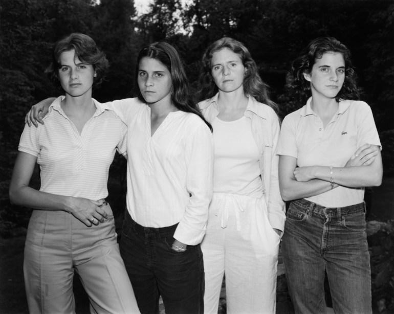 Nicolas Nixon. Las hermanas Brown, 1975. Gelatina de plata. Colecciones FUNDACIÓN MAPFRE. Nicholas Nixon, cortesía Fraenkel Gallery.