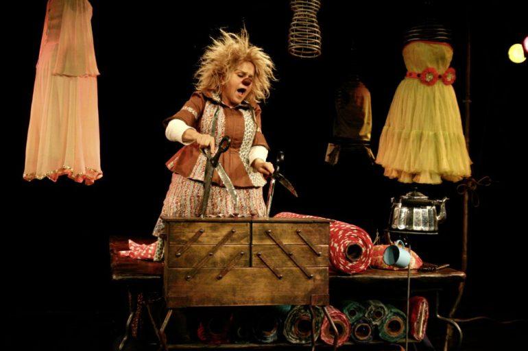 """""""Die Schneiderin"""" von Gardi Hutter und Michael Vogel, Offene Probe 8.10.2010, Foto: Silke Meyer"""