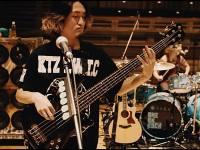 Bassist ONE OK ROCK Menikah Dengan Adik Avril Lavigne