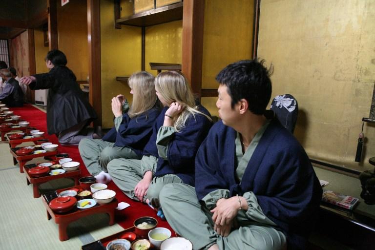 Dapatkan Pengalaman Tradisional Dengan Menginap Di Shukubo