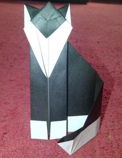 Teknik Melipat Dalam Membuat Origami Neko