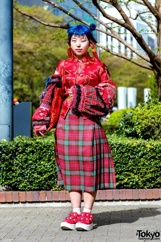 Paduan Busana Chinese Lady Dengan Vintage Oleh Lisa Dalam Fashion Jepang
