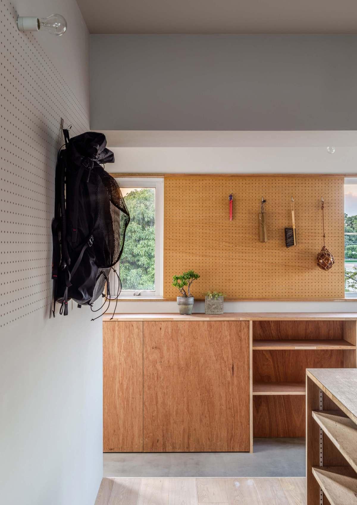 Desain Rumah Gunung Oleh Studio Arsitek Snark Architecture