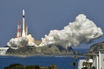 Jepang Sukses Terbangkan Roket Berisi Satelit Pengintai