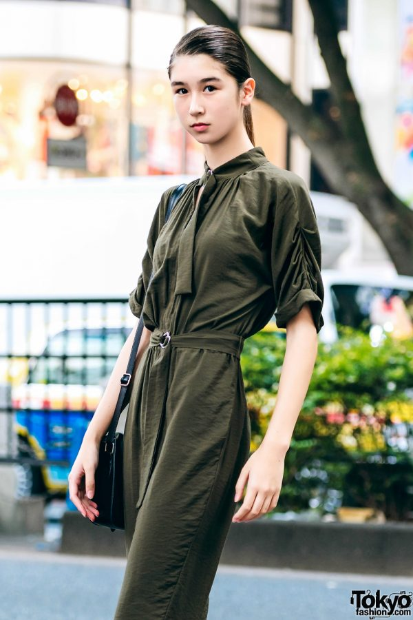 Hanya Dengan Jumpsuit Dipadukan Dengan Sepatu Bot, Jayce Model Fashion Jepang Tampil Memukau Di Harajuku 2