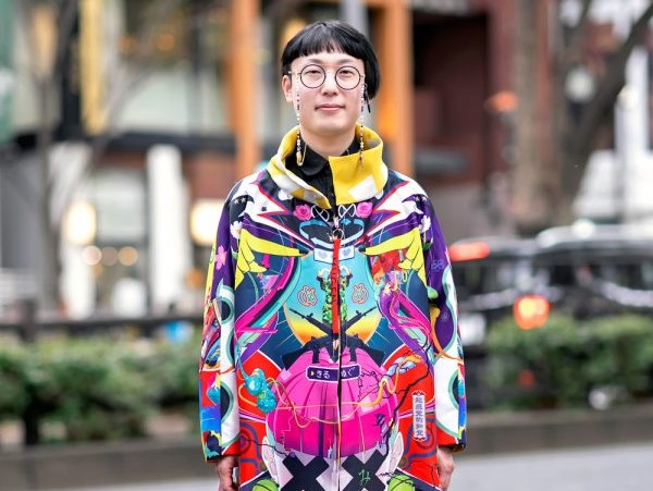 Artis Jepang Hiroyuki Mitsume Takahashi Tampil Colorful Dengan Mugen Art Coat