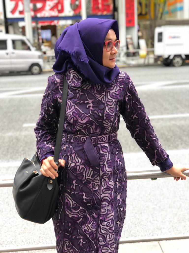 Titin Faradju Padukan Sulam Usus Lampung Dengan Harajuku Style Di Shibuya Jepang (2)