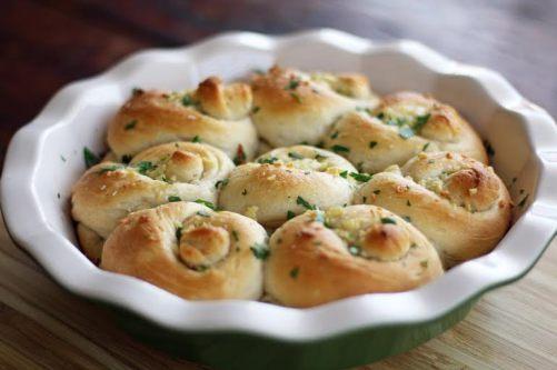 garlic biscuit knots