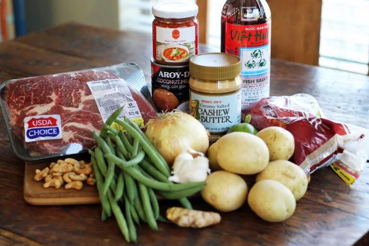 Red Curry Beef Pot Roast Ingredients - Curry Paste, Cashew Butter, Ginger, Garlic, Coconut Milk | www.artfuldishes.com