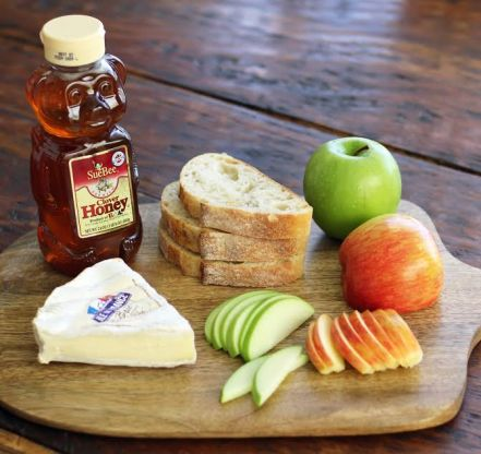 Apple Brie Bruschetta Ingredients