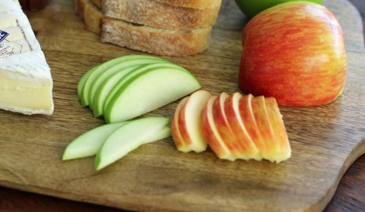 Apple Brie Bruschetta Ingredients Slicing Apples