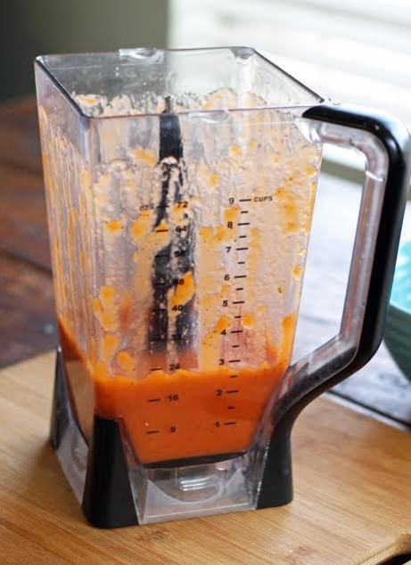 A blender full of the French dressing after it's been blended.