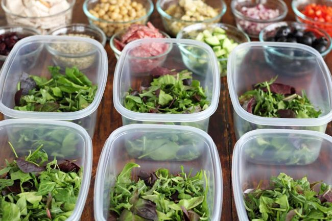 Meal Planning - Filling the Containers with Lettuce | artfuldishes.com