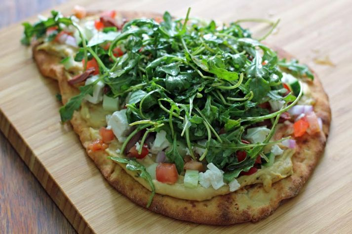 Greek Salad Naan Pizzas with Arugula and Balsamic   www.artfuldishes.com