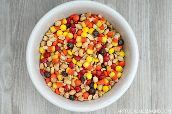 harvest candy corn snack mix