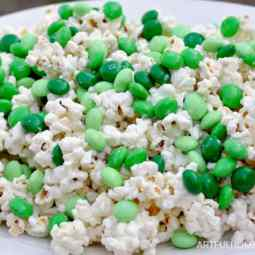St. Patrick's Day White and Mint Chocolate Popcorn