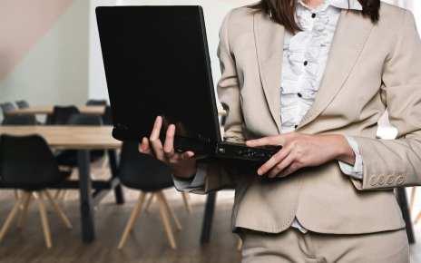 Lima Strategi Untuk Sales Logistik Menghadapi Pertanyaan Tentang Harga Oleh Calon Customer