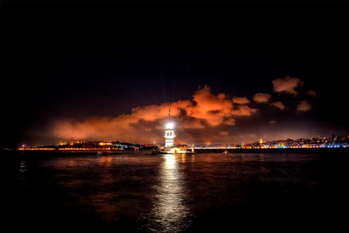 Arthenos | Gece fotoğrafı nasıl çekilir, gece manzarası çekimi, uzun pozlama nedir | Kız kulesi MAiden's Tower - İstanbul