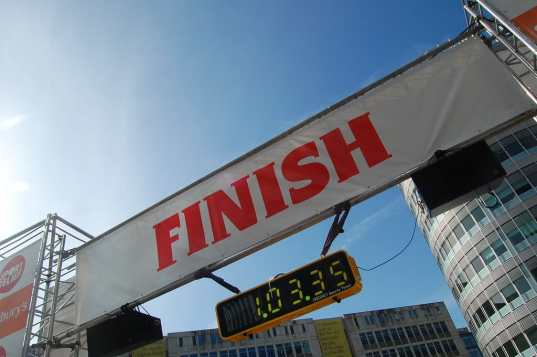 article-writing.co finish line sign