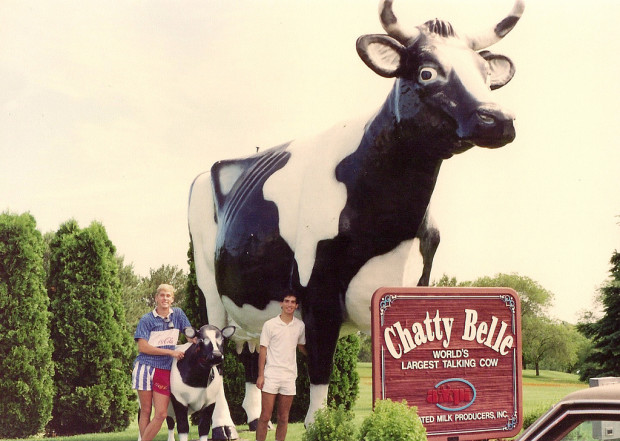 World's Largest Talking Cow