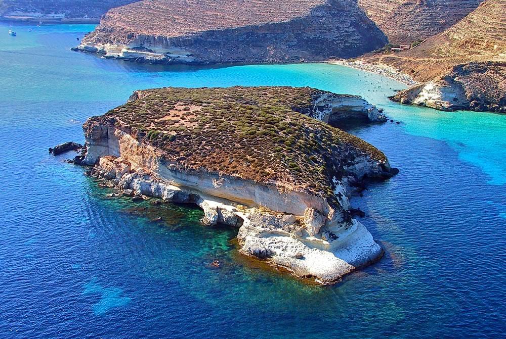 La spiaggia più bella d'Italia è a Lampedusa
