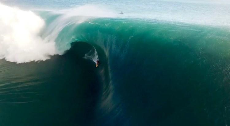 Teahupo'o Surf 2