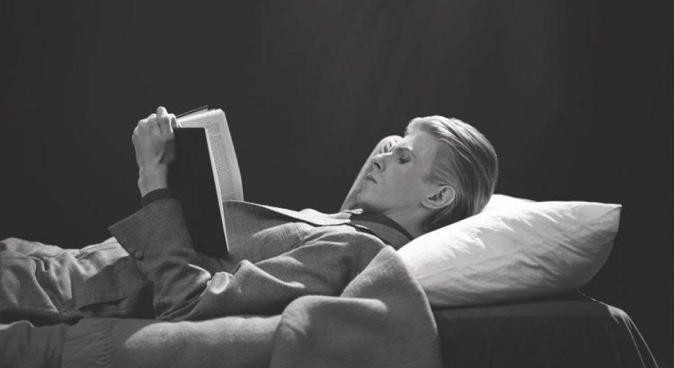 David Bowie Reading Book