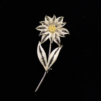 Spilla in filigrana d'argento raffigurante un fiore completo di stella alpina cm 7