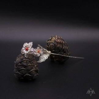 """""""tremoi"""" (fiore con spillone in filigrana d'argento"""