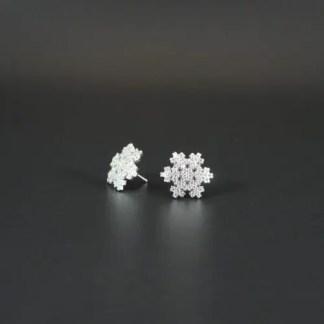 Orecchini a lobo con fiocco di neve in argento rodiato e zirconi Ø 18 mm