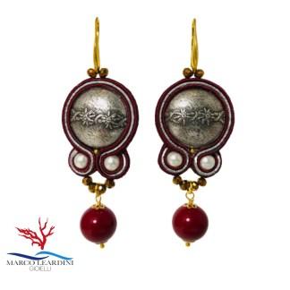 Orecchini marroni con bottoni color argento e pendenti perle 12 mm agata tecnica soutache