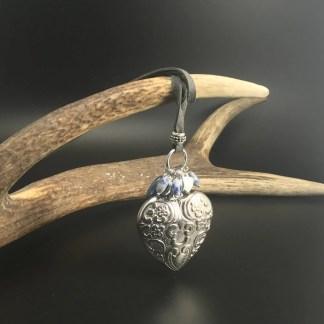 Collana con cuore in metallo cm 5 e ciondoli in pietre dure