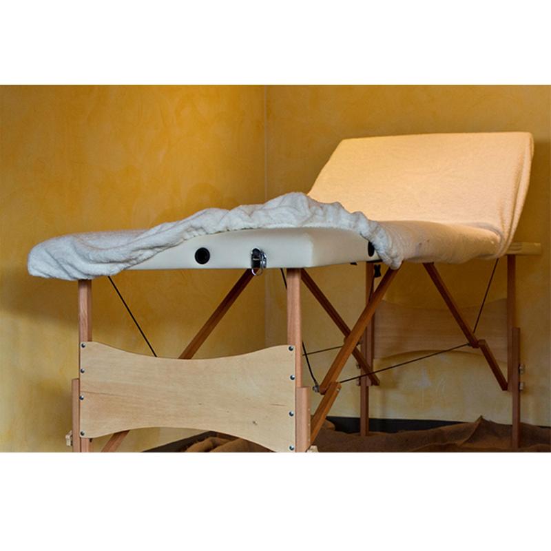 Coprilettino per lettino massaggi in spugna con angoli ed elastico. Protegge da oli e trattamenti che finiscono per macchiare la superficie.