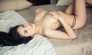 Cerita Sex Menikmati Perawan Di Dalam Mobil