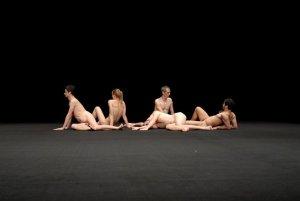 """Xavier Le Roy,  """"Low pieces"""" (2009-2011) - photo courtesy Vincent Caravac"""