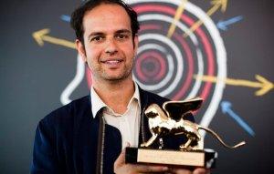 Tino Sehgal riceve il Leone d'Oro per il miglior artista alla Biennale Arte 2013