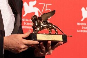 Cuaron premiato con il Leone d'oro alla 75. Mostr Internazionale Cinematografica. Foto Octavian Micleusanu