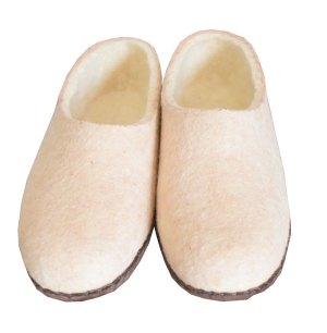 chaussons en laine beige