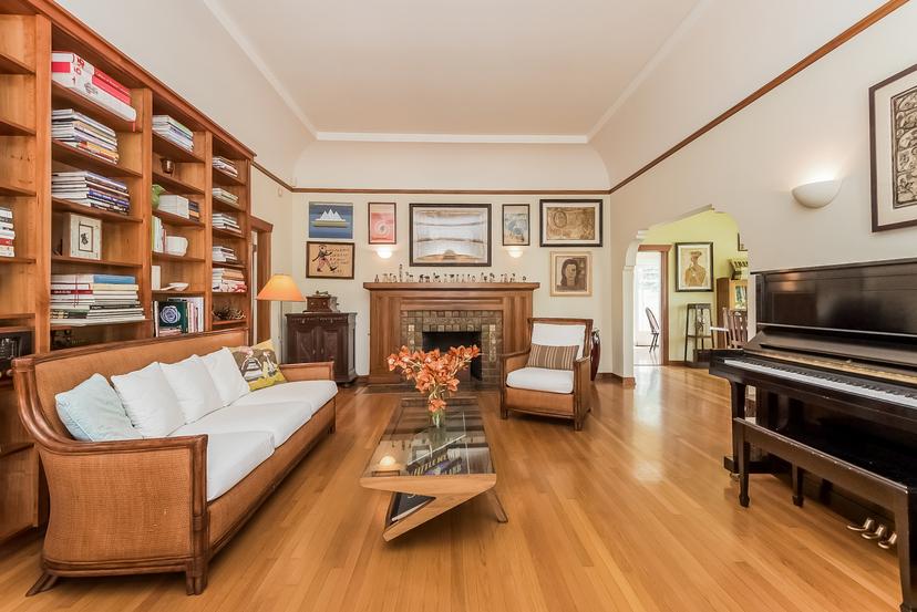 007-Living_Room-1096039-mls