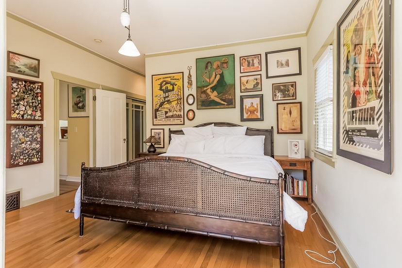 020-Master_Bedroom-1096036-mls