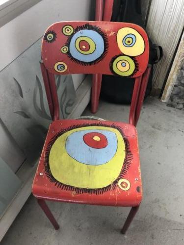 Una sedia decorata