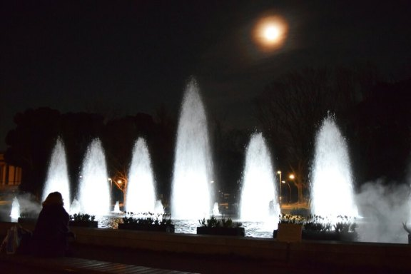 NightWaterFountain