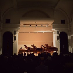 Five fortepianos 4