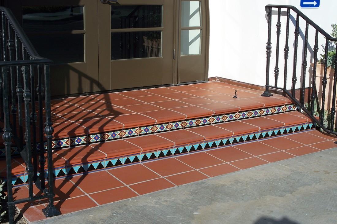 terra tile safety stepnose 12x12