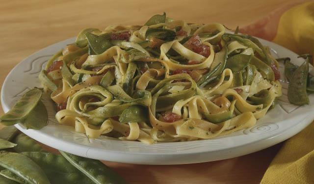 Pasta-Carbonara-Tagliatelle-Paglia-Fieno-recipes-cooking-demonstration